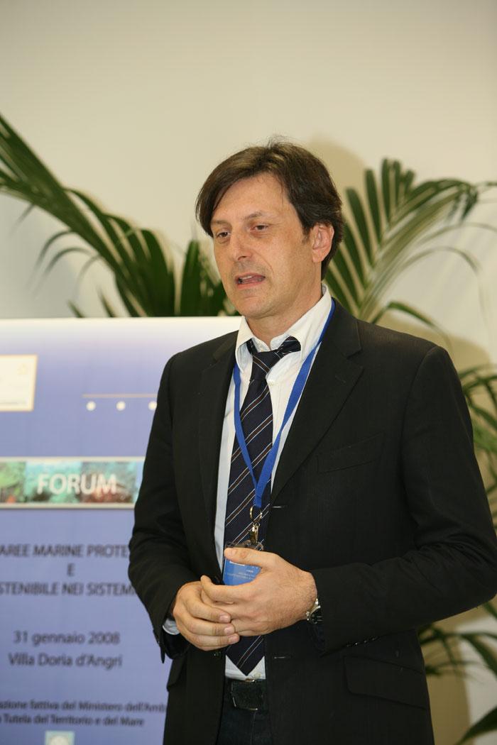 R. Danovaro Professore della Facoltà di Scienze, Dipartimento Scienze del Mare – Politecnico delle Marche